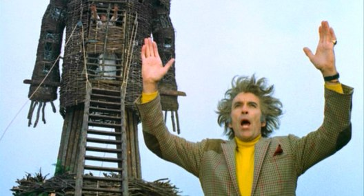 thewickerman_lordsummerislehandsupraised