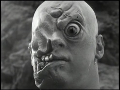 Cyclops=1957-close-up