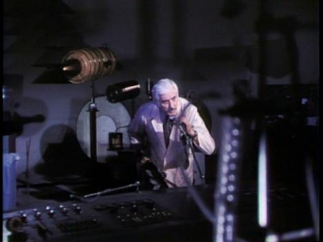 Blackenstein-Black-Frankenstein-lab-scene