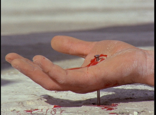 Island-of-Death-1976-crucifixion