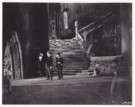 Dracula 1931 Carfax Abbey deleted scene still
