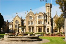 oakley court bray hammer rocky horror picture show film location