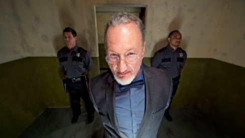 Funhouse-Massacre-2015-Robert-Englund