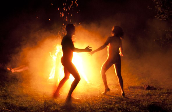 Allelluia-naked-dance-fire-2014