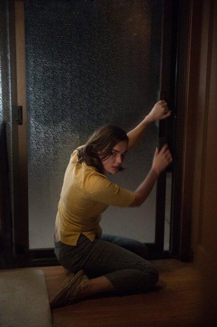 the-wolves-at-the-door-2016-elizabeth-henstridge